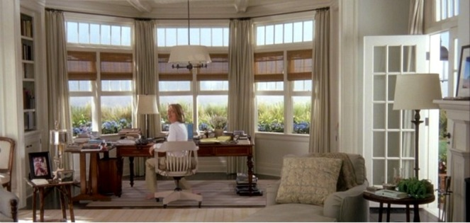 Somethings-Gotta-Give-movie-beach-house-Ericas-bedroom-desk-3
