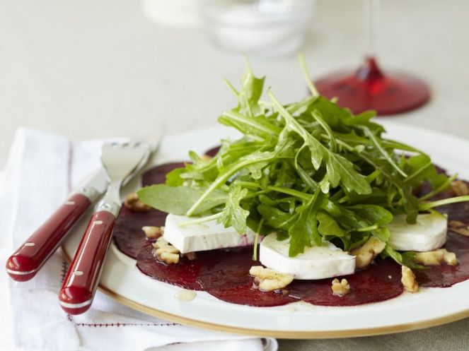 beet-carpaccio-with-goat-cheese-and-arugula-573050